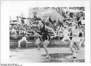Bundesarchiv_Bild_183-49879-0004,_Manfred_Steinbach,_Knörzer